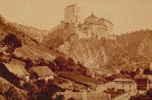Historická podoba hradu Karlštejn na fotografii Františka Fridricha (1870)